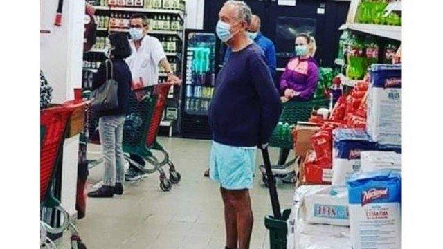 Coronavírus: presidente de Portugal é flagrado de short e máscara na fila do supermercado e foto viraliza