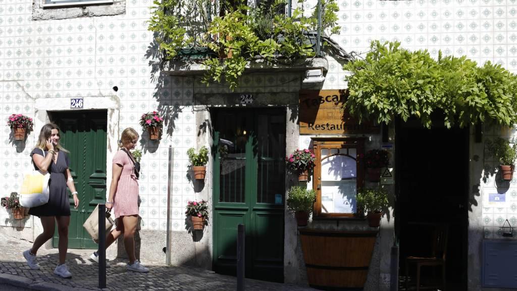 Portugal suspende proibição de viagens para turistas do Brasil